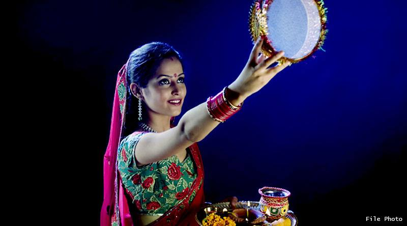 know karwa chauth full pujan vidhi and karwa chauth on 19 october