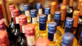 Two women arrested for selling open liquor at Gujarat Kutch Express
