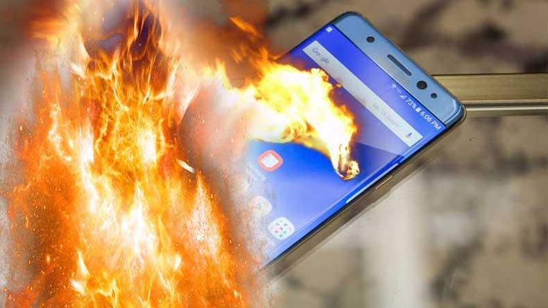 Mobile-phone-blasts-in-man's-pocket-mumbai