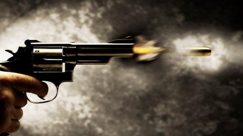 UP Samajwadi Party leader jagdish mali shot dead by wife lover in sambhal