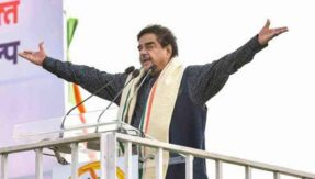 BJP MP Shatrughan Sinha joins Congress before lok sabha election 2019