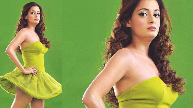 Dia Mirza ruling the internet with her New H0T Looks